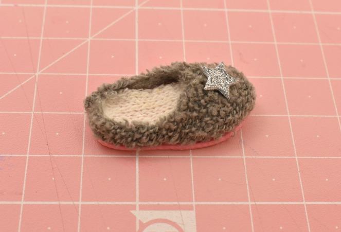 נעלי בית חדות 9